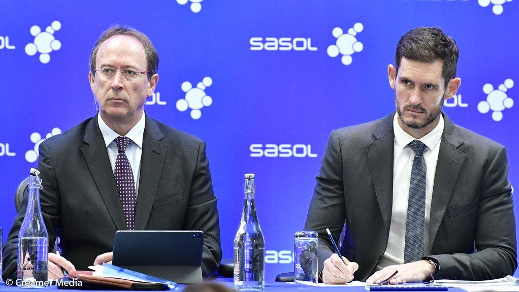 Sasol CEO Fleetwood Grobler (left) and CFO Paul Victor