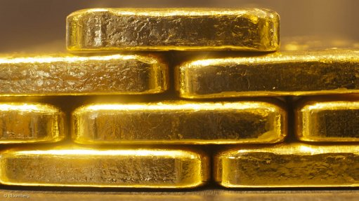Buy gold 'right here and now', top wealth manager says