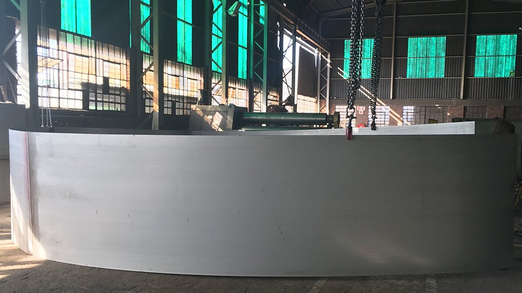 SIGNIFICANT SUPPLY Columbus Stainless supplied 250 t of grade 2304 duplex steel for the RioZim steel tank fabrication project being undertaken by Betterect