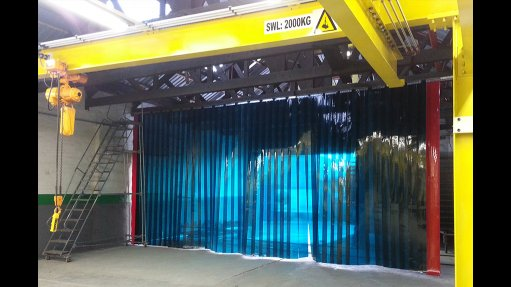 UV-resistant screens improve safety in the workplace