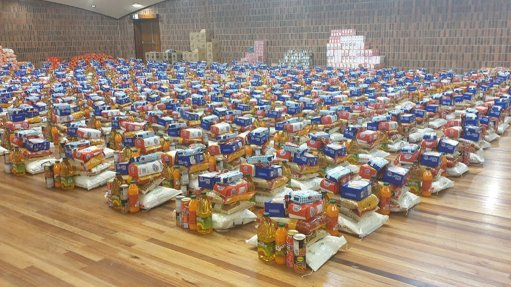Glencore Coal donating food to Mpumalanga communities