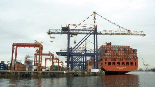 Transnet investigates mobile crane fire at Durban terminal