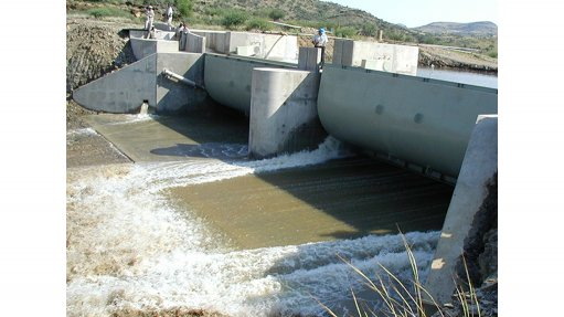 WATER GATE The scour gate developed by Amanziflow allows for the effective flushing of sediment from a dam increasing its storage capacity