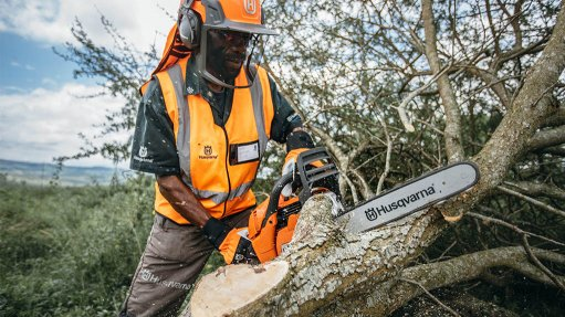 Garden Route Environmental Forum (GREF) teams up with Husqvarna South Africa to tackle climate change and environmental management