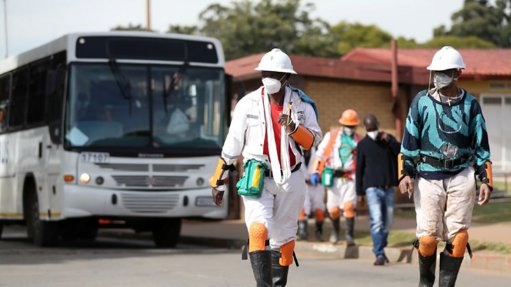First 1 100 foreign mineworkers scheduled to cross back into South Africa