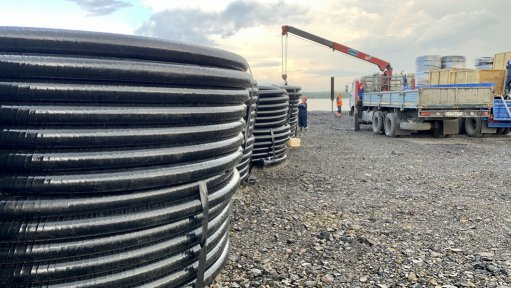 Nornickel brings equipment to Norilsk to pump out water and fuel mixture to clean up the May 29 fuel spill. The company has reported another fuel spill at the weekend.