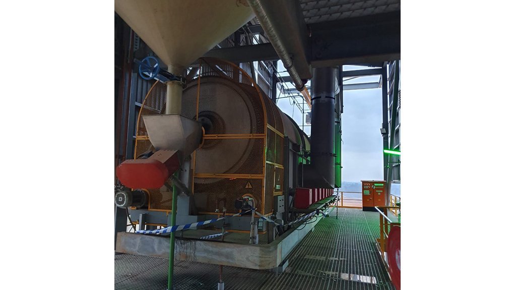 FURNACE VERSATILITY Creating custom furnaces allows the company to meet its clients' needs across a variety of industries