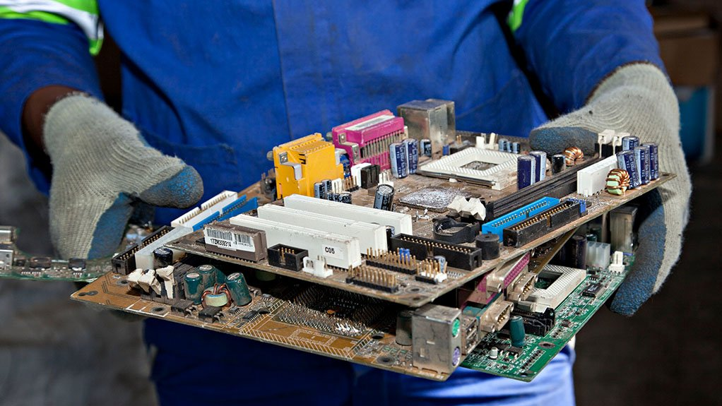CARBON CLEVER If 1 t of e-waste is diverted from landfill, a saving of 1.74 t of carbon emissions can be claimed