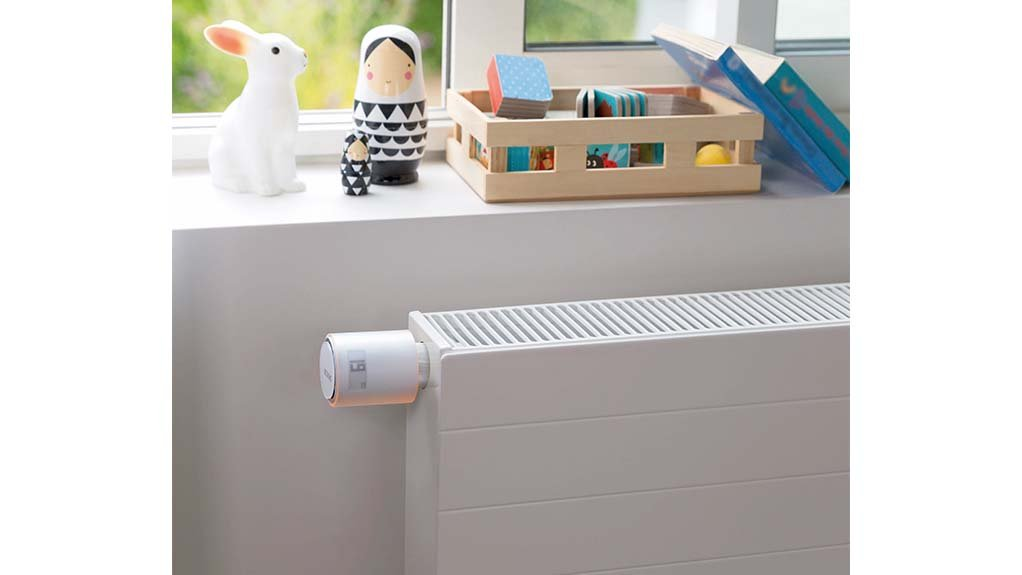 SMART HEATING SOLUTIONS  For collective or district heating in the home, a Netatmo starter pack with additional smart radiator valves are necessary
