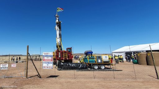 Council for Geoscience starts deep drilling in Karoo basin