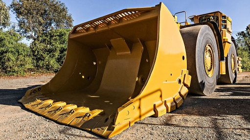 New Cat® Durilock™ Shroud System for underground loader buckets cuts maintenance time and allows fast adaptation to application needs