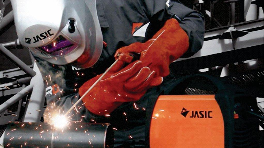 EXTENDED RANGE BMG's range of Jasic welding equipment comprises arc inverter welders, tungsten inert gas, metal inert gas metal active gas welders and plasma cutters