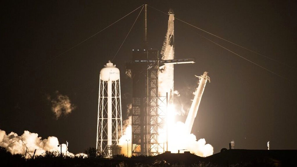 SpaceX Manned Launch Flawless
