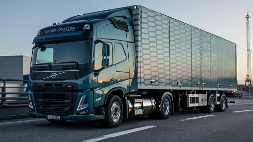 Heavy vehicles maker begins  LNG testing