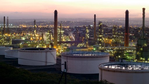Explosion at Durban crude oil refinery