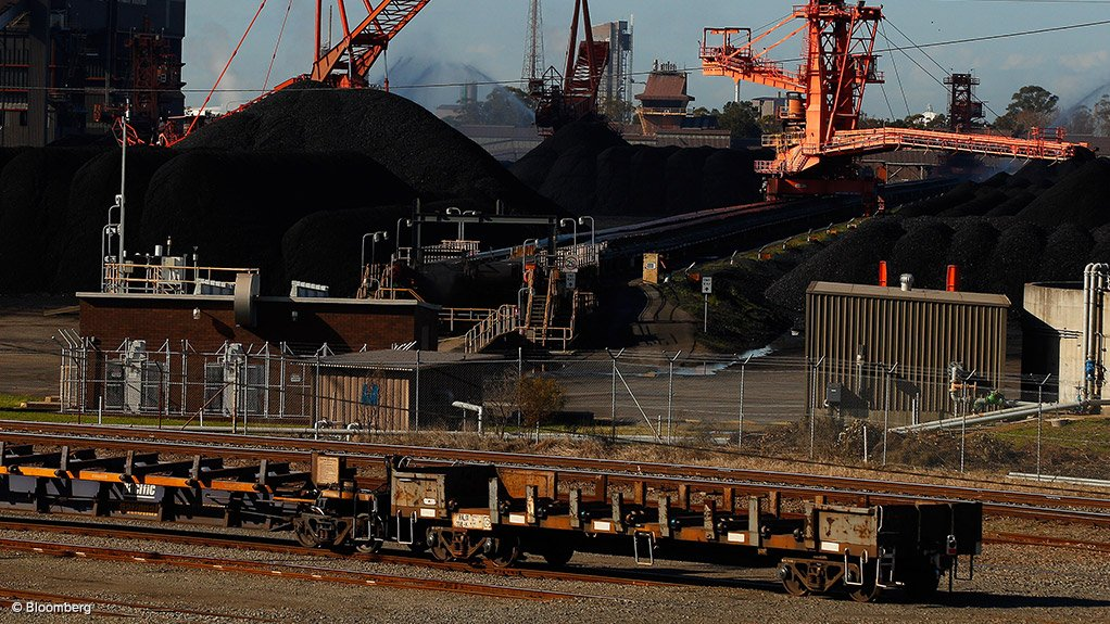 Australia blasts China on apparent coal ban