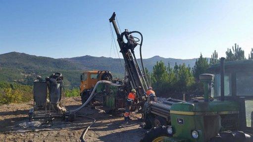 Savannah Resources' drill rig at Mina do Barroso