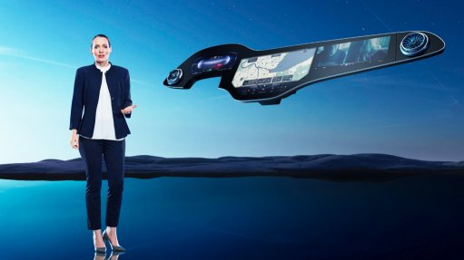 Digital designer Vera Schmidt with the hyperscreen