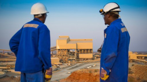 De Beers lowers 2021 output guidance