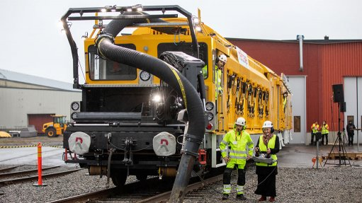 Biggest battery-powered railway maintenance vehicle launched