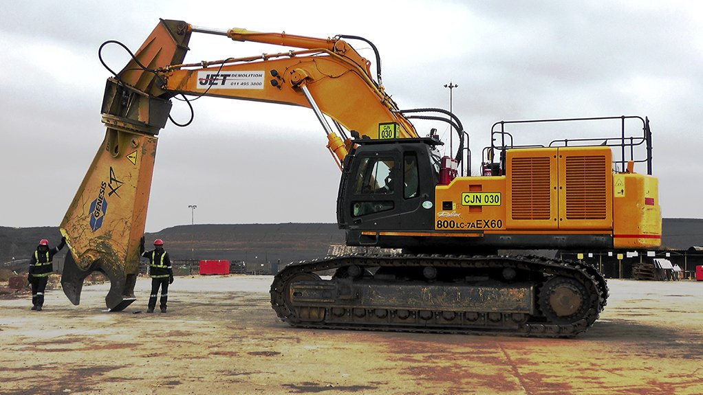 COLD CUTS Jet Demolition holds a number of highly specialised cold-cutting demolition tools and attachments for its fleet of demolition machines.