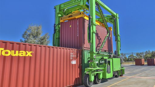 New straddle carriers now available in Africa