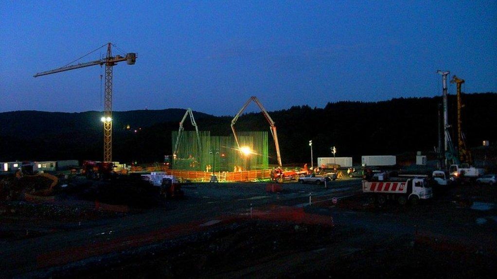 Greek lawmakers seal revised deal to restart Eldorado's mines investment