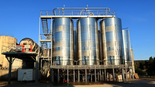 AGES LIKE A FINE WINE Over the recommended life span of a structure, stainless steel becomes more economical because of reduced maintenance and refurbishment required