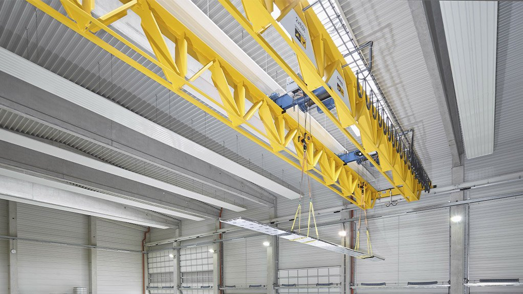 NEW INSTALLATION The new V-type girder design with diaphragm joints reduces the equipment's weight
