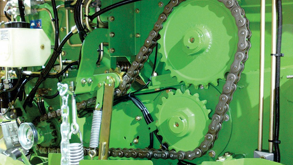 FAVOURED CHAIN Aboutt 70% of baler OEMS choose the Tsubaki RS100HT Agri Baler Chain