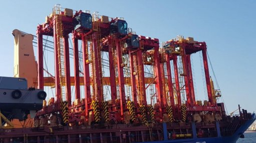 Ten straddle carriers arrive at Durban Container Terminal Pier 2