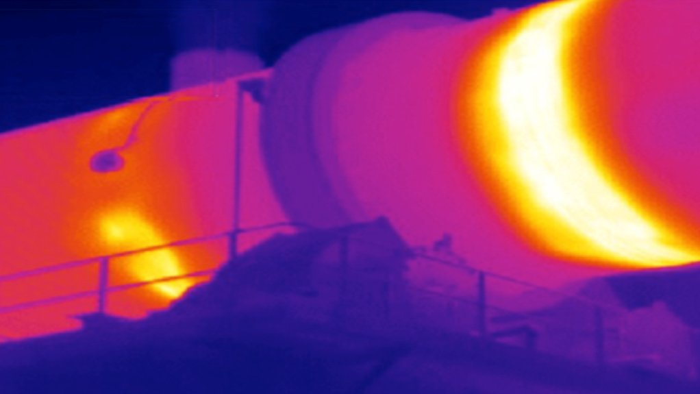 THERMOGRAPHIC INSPECTION Thermography can help to monitor the evolution of damages on refractory lining, measuring the remaining thickness thereof
