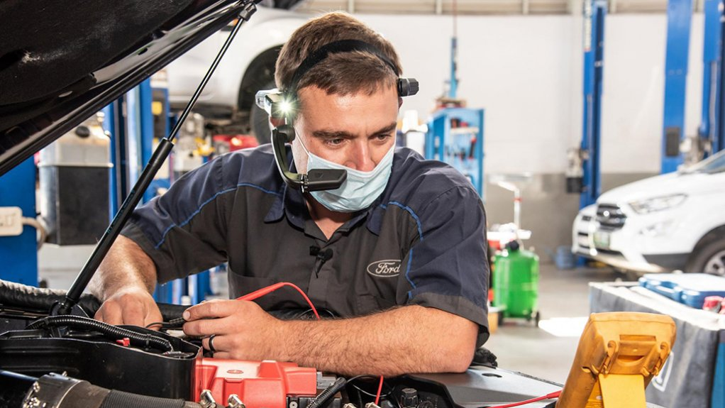 Ford to help dealers speed up repairs through wearable tech