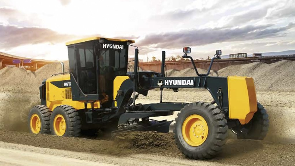 JACK OF ALL TRADES The robust earthmoving machines are suitable for operation in various industries such as roadworks, mining, construction, agriculture and landscaping