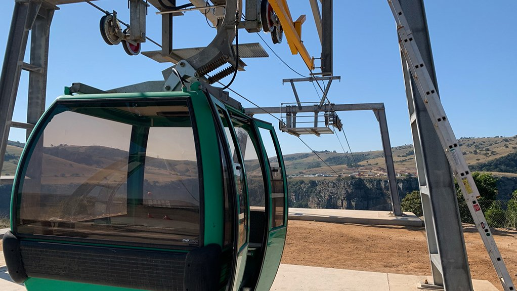 Temporary cableway installed at Msikaba bridge