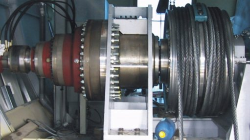 BMG's Dinamic Oil gearbox in a warehouse