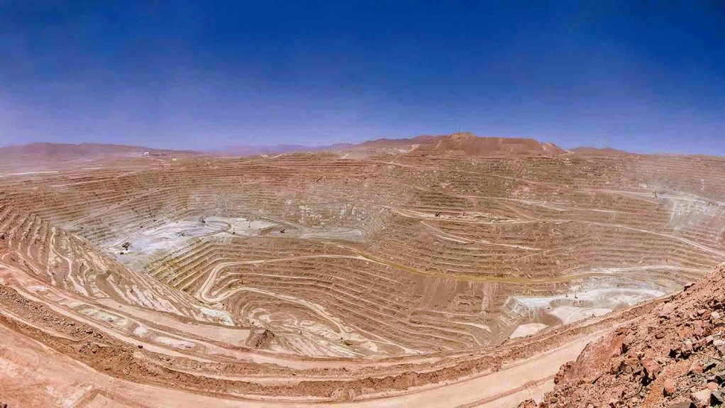 An image of an opencast copper mine in Chile.