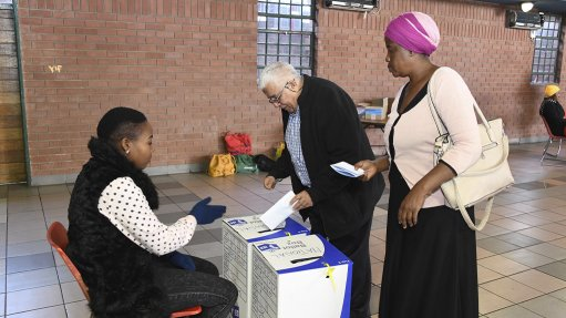 Home Affairs Committee receives IEC report on possible postponement of local government elections