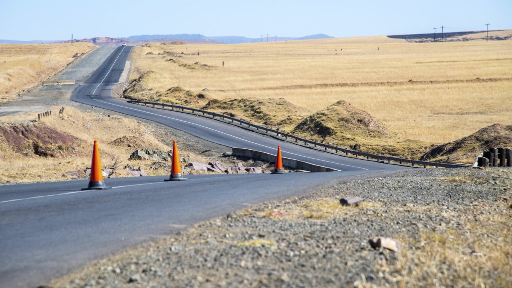 An image of Sanral's R61 upgrade from Bayiza to Mthatha Airport