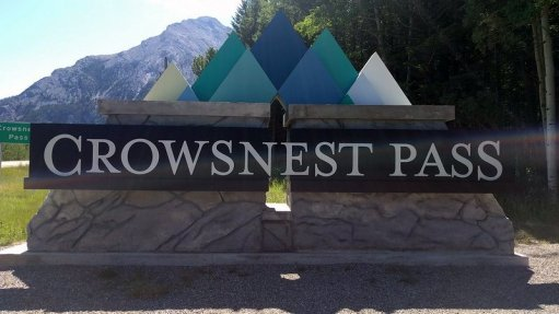 An image of the sign to Crow's Nest in Alberta, Canada.