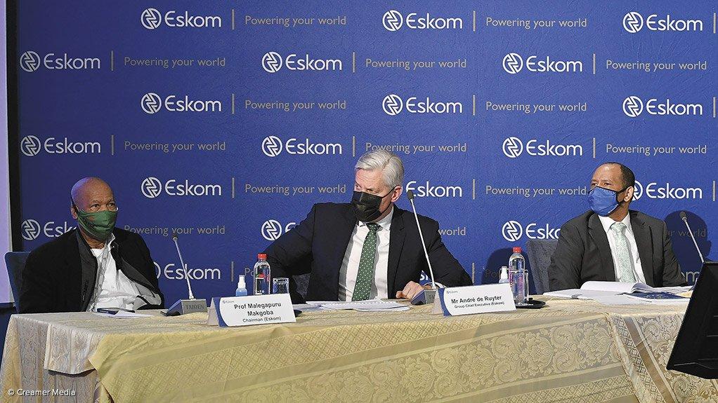 Photo of Eskom chairperson Professor Malegapuru Makgoba, CEO Andre de Ruyter and CFO Calib Cassim