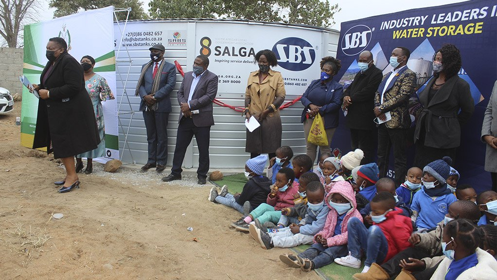 SBS® Solutions SA and SALGA assist Bushbuckridge Local Municipality to deliver water to community