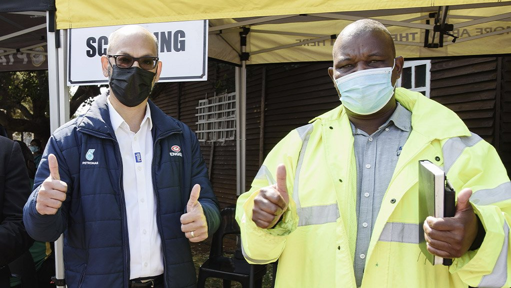 Truck Drivers roll up their sleeves to get vaccinated at Engen Highveld 1-Stop