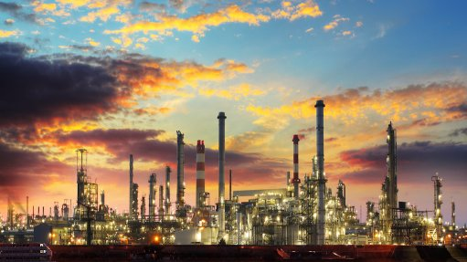 Image of an oil refinery by night