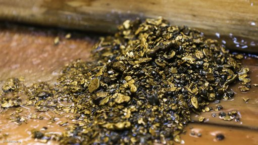 Image of gold ore by Bloomberg