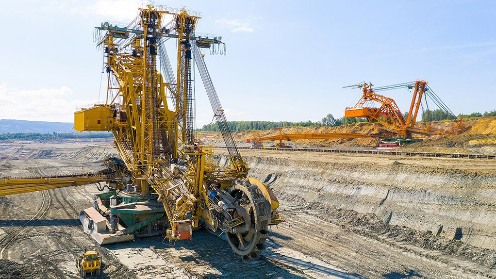 Image of a bucket wheel excavator on a project site