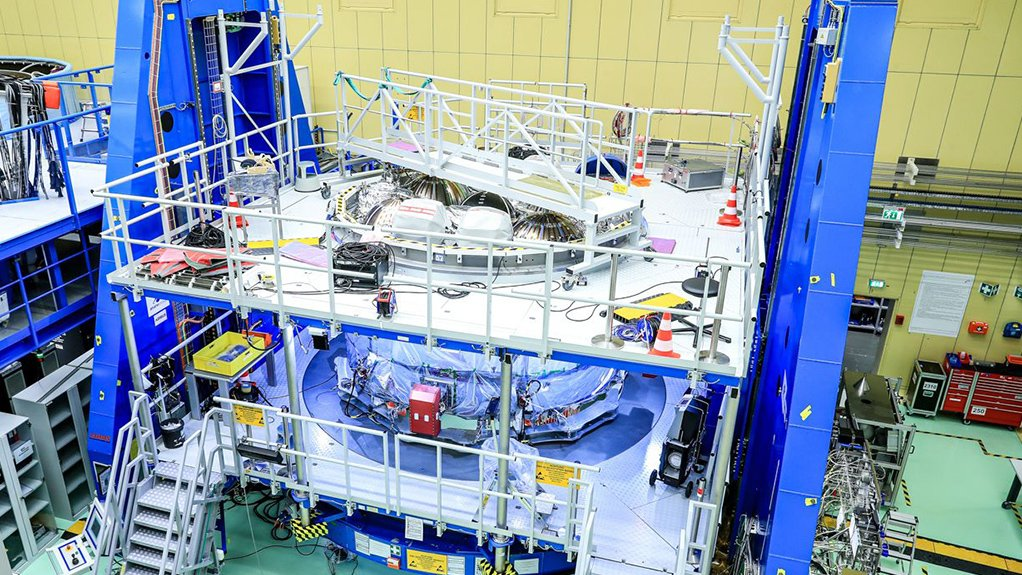 A photo of the complete ESM-2 at Airbus's Bremen facility