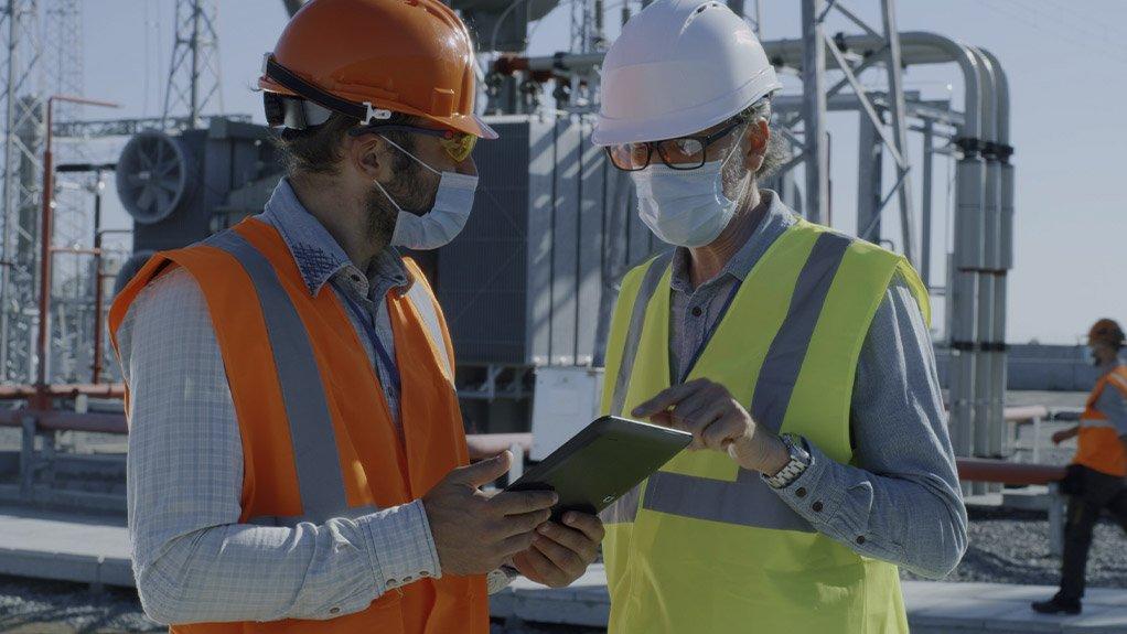 Determining optimal staffing for maintenance departments