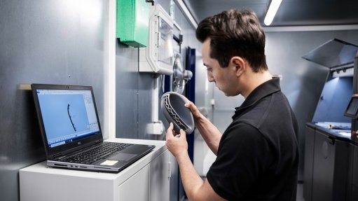 Image of Daimler Buses' container 3D printing lab