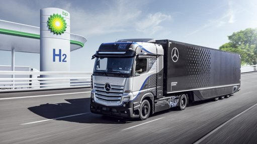 Image of BP hydrogen station and Mercedes-Benz truck
